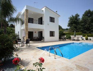 3 Bedroom Villa Dionysos in Stroumbi Property Image