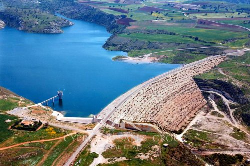 Aspokremmos Dam has only overflowed 4 times.